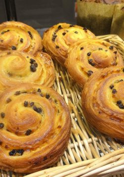 PAIN AU RAISIN MAISON BARAT